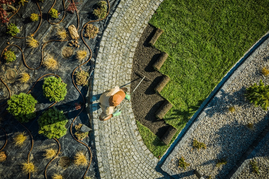 Tracking Solutions for Your Landscaping Businesses-1