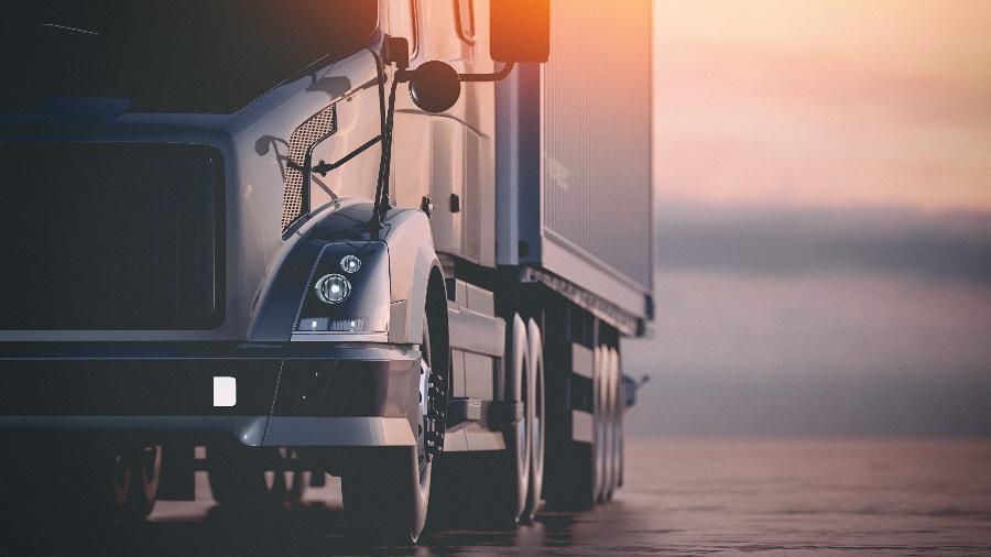 Do Trucking Companies Own or Lease Their Trucks?