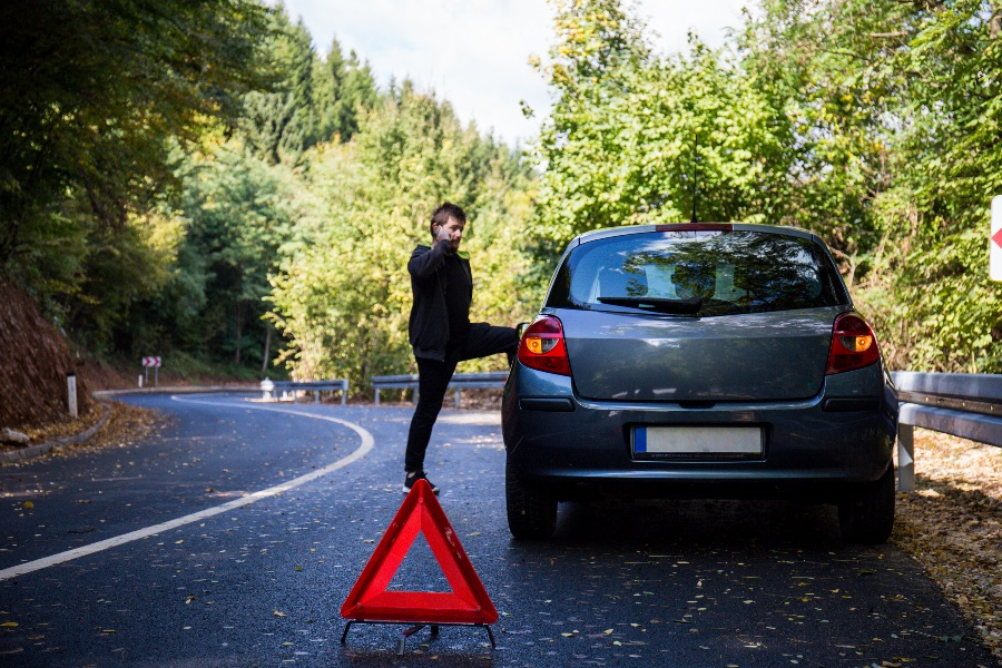 How Do Fleet Managers Handle Roadside Issues?