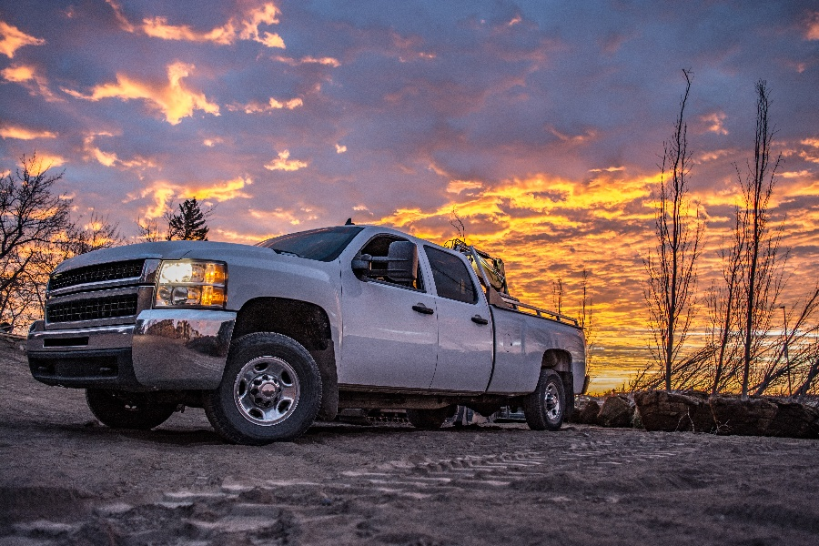 What to Consider When Leasing a Commercial Work Truck