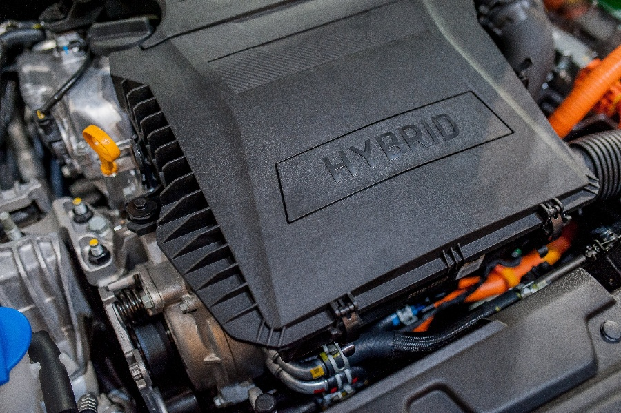 Why You Should Consider a Hybrid Vehicle for Your Fleet